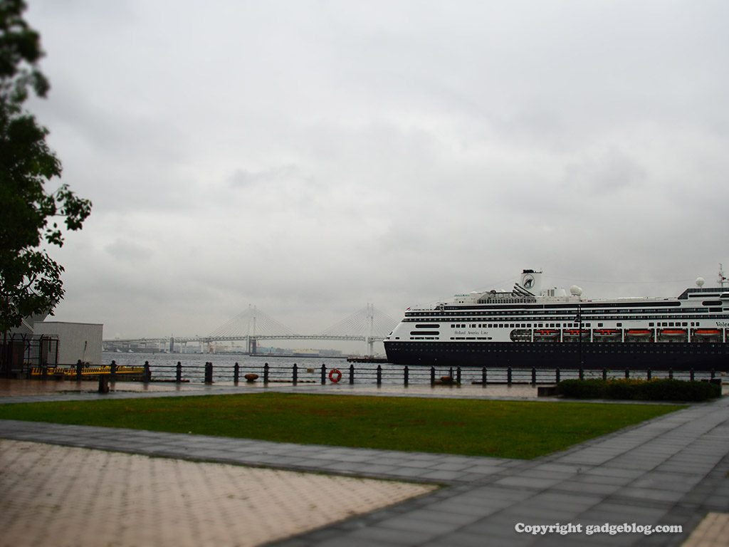 横浜港に停泊する豪華客船